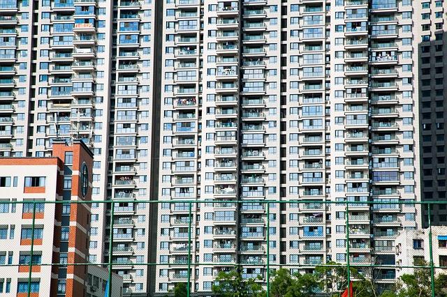 Fastighet med många bostadsrätter